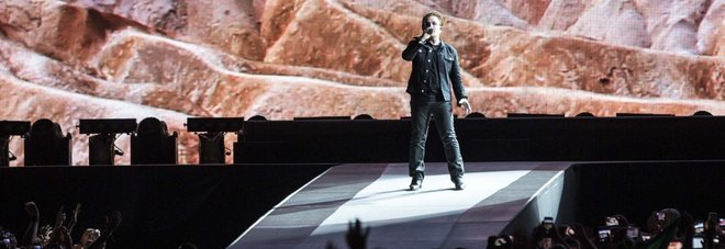 "Gli U2 infiammano lo stadio Olimpico: in 60mila per ""The Joshua Tree Tour"""